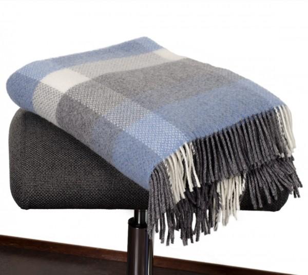 Blau-graue Wolldecke