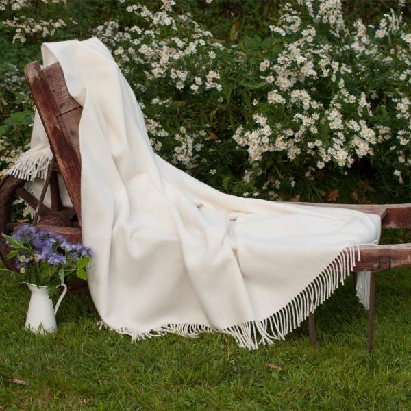 Weiche Wolldecke aus Naturwolle, ungefärbt