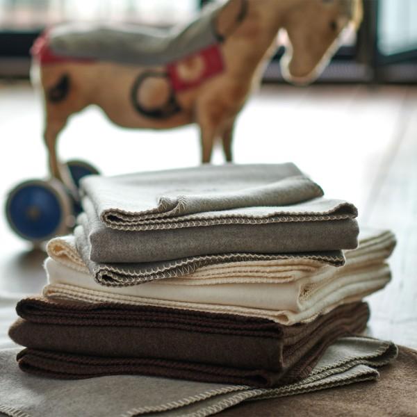 Kniedecke aus feiner Merinowolle