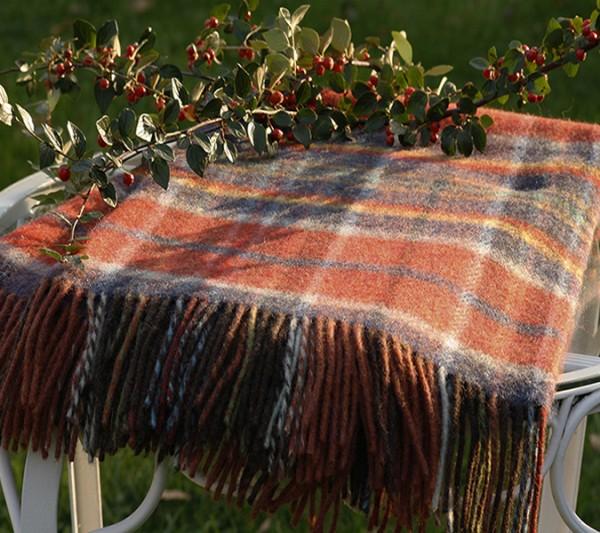 Rostbraune Wolldecke aus Schurwolle